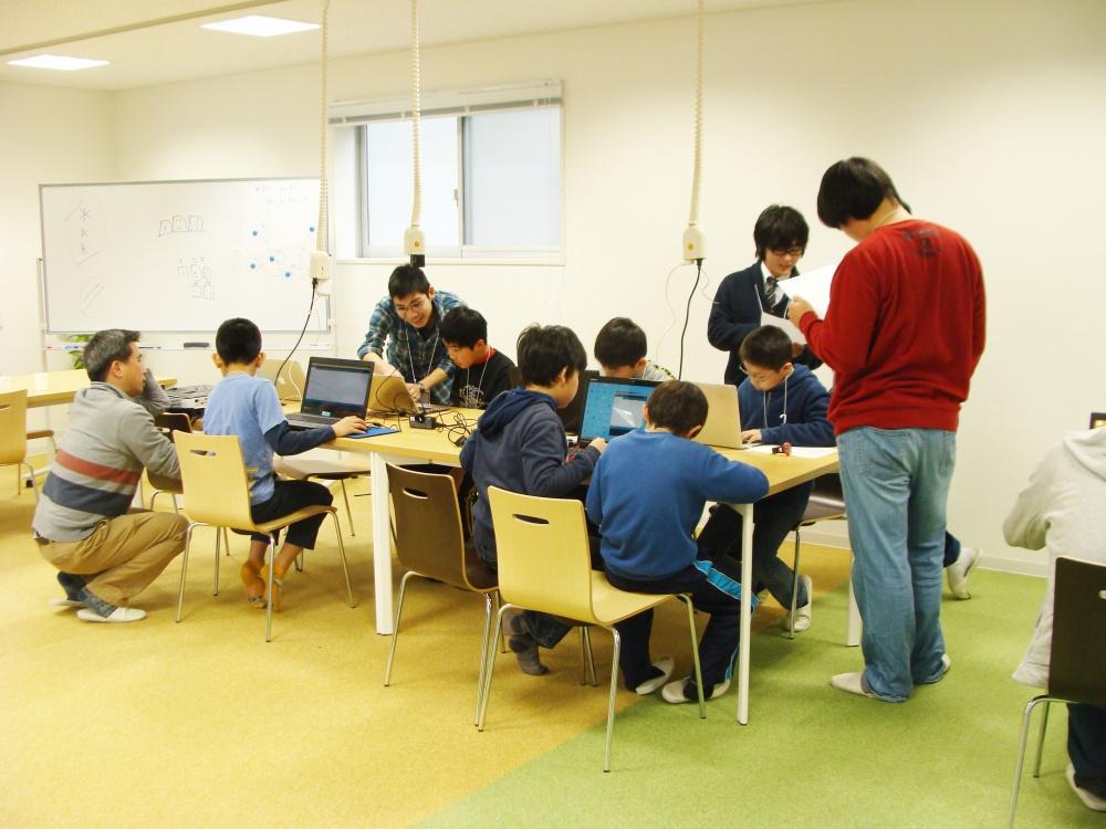 NPO法人UPTREEさんが「子ども向けプログラミング教室」を開催されました